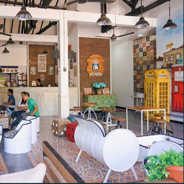 Makmu Cafe, Tempat Paling Pas Buat yang Mau Terus Eksis