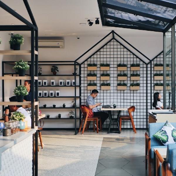 Suasana Jepang Modern Ada di Kafe Ini