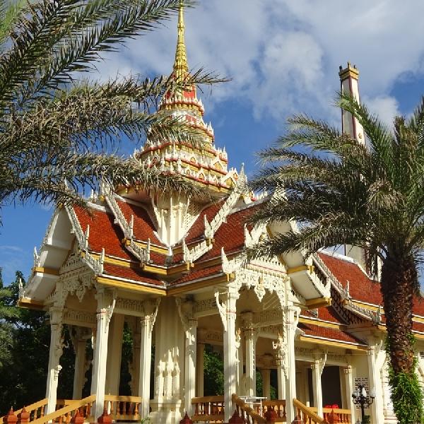 Kemilau Wat Chalong, Kuil Terbesar di Phuket Thailand