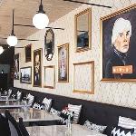 Sensasi Makan di New York dalam Harlow Brasserie