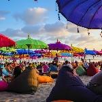 Chill Out Penuh Warna di La Plancha, Bali