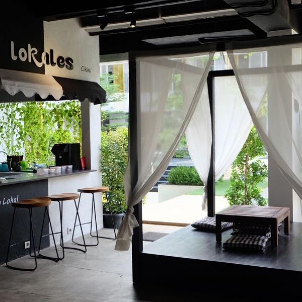 Sejenak Kabur dari Ramainya Jakarta di Paradigma Kafe, Cikini