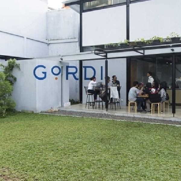 Mencicipi Kopi Spesial di Lounge Spesial Gordi HQ