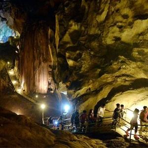 Menelusuri Keajaiban Alam di Tempurung Cave Park, Malaysia