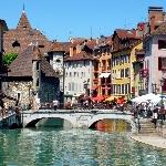 Venice Kepenuhan Turis, Ini Alternatif Kota Terapung Lainnya