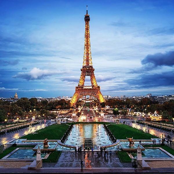Awas, Foto Menara Eiffel Saat Malam Bisa Masuk Penjara