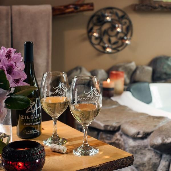 Berendam di Wine sampai Maksi Bareng Pesumo, Layanan Hotel Ini Bikin Wow