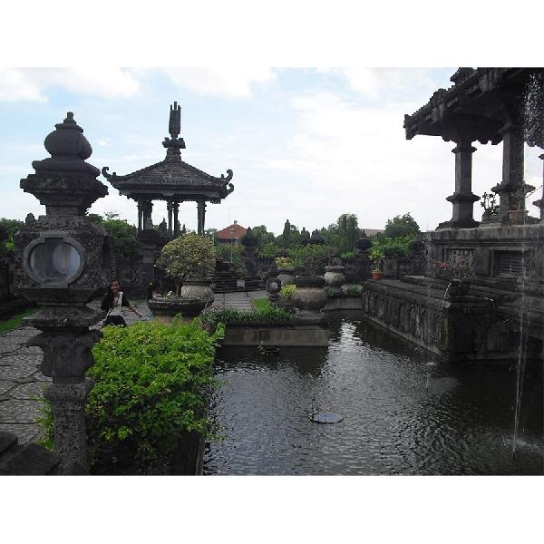 Megahnya Museum Bajra Sandhi Bali Bak Istana Raja