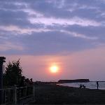 Mudik ke Tegal? Yuk, Berburu Sunset di Pantai Ini
