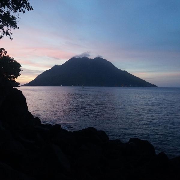 Pantai Terjernih di Ternate Ada di Sulamadaha