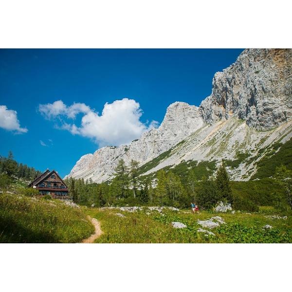 Sensasi Naik ke Atas Pegunungan Alpen, Surga Tertinggi Slovenia