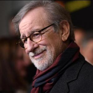Steven Spielberg  Bikin Serial Horror yang Cuma Bisa Ditonton Malam Hari