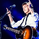 Paul McCartney Ungkapkan Pengalamannya Kerja Sama dengan Kanye West