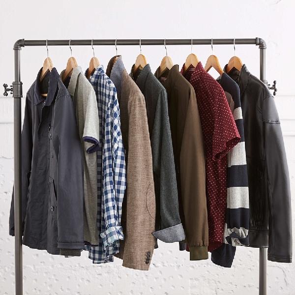 5 Tipe Kaus yang Wajib Dimiliki Pria