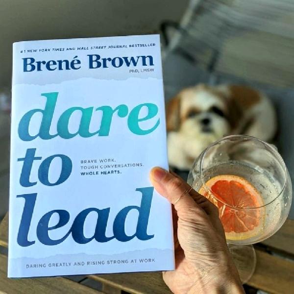"""Berani Memimpin Lewat Buku Brene Brown, """"Dare to Lead"""""""