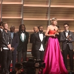 Taylor Swift Sabet Album of the Year di Grammy Awards 2016