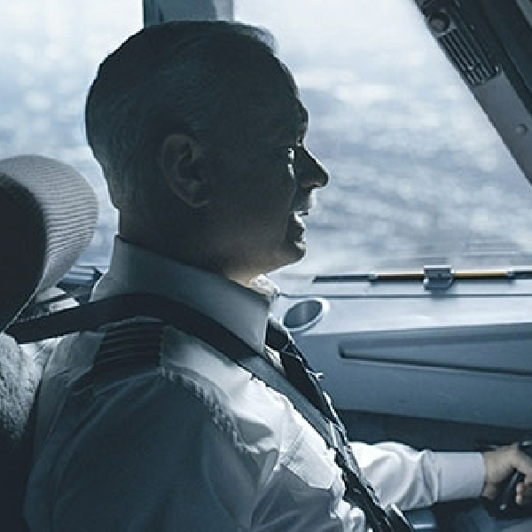 Sully, Aksi Heroik Pilot yang Dipertanyakan
