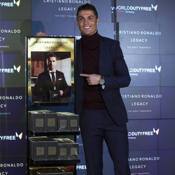 Cristiano Ronaldo Legacy Buka Store Pertamanya di Barajas, Madrid