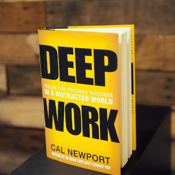 Sering Gagal Fokus Saat Melakukan Pekerjaan? Bacalah Buku Ini