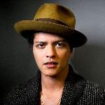'Chunky' Diluncurkan Pertama Kalinya oleh Bruno Mars di Saturday Night Live