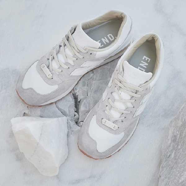 Ini Dia Bocoran New Balance x END, 'Marble White'