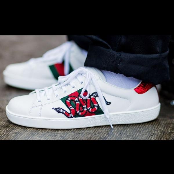 Takut Kotor? 4 White Sneakers Ini Siap Maksimalkan Penampilan Anda