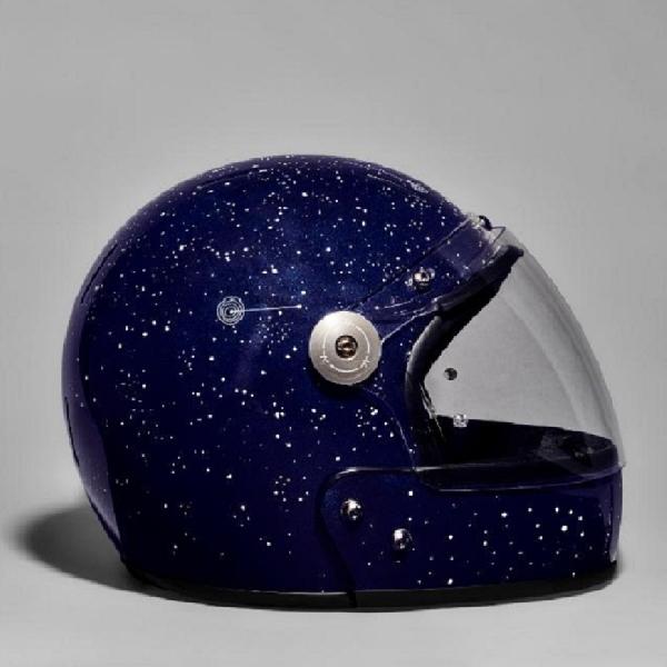 13 Helm Hasil Karya Seni ini Dijual Dengan Harga @Rp 36,3 Juta