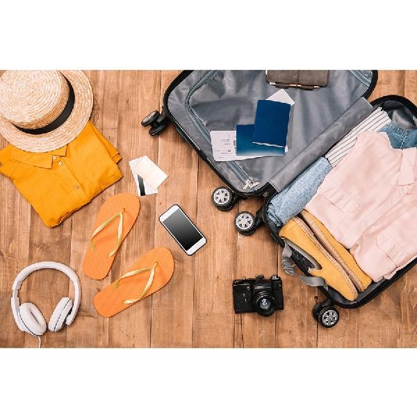 Holiday's Starter Pack: Barang-Barang yang Perlu Kamu Bawa Saat Liburan