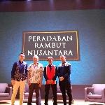 Pelopor Cukur Rambut Indonesia Ditulis Dalam Buku Ini