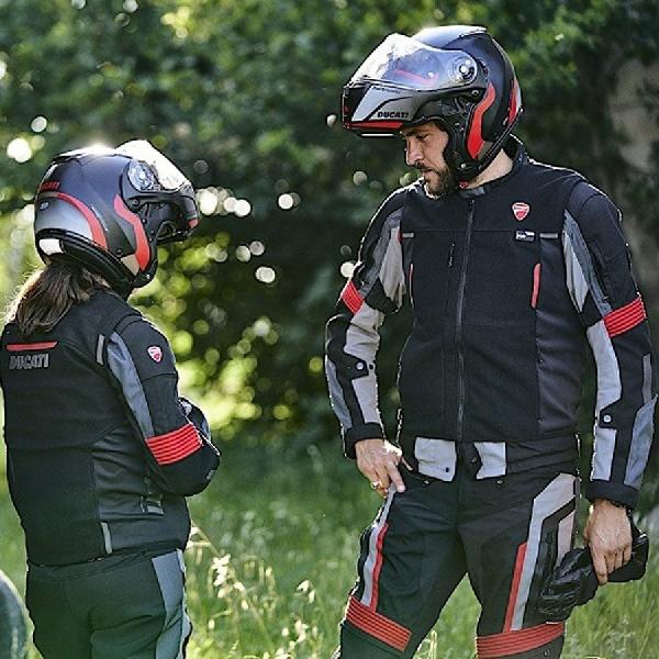 Jaket Cerdas Ducati Dainese Dilengkapi Airbag