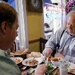 """Kunjungi 16 Restoran dan Cicipi Menu Andalan dalam 24 Jam di """"City of Gold"""" (Bag. I)"""
