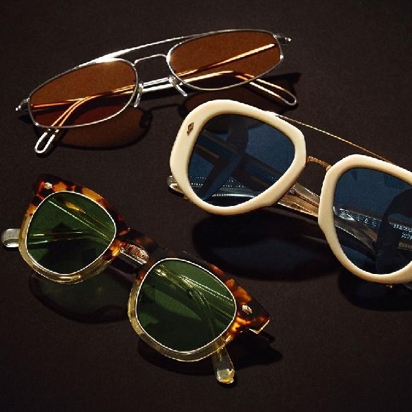 6 Pilihan Kacamata Hitam Trend 2021 dan Cara Memilihnya