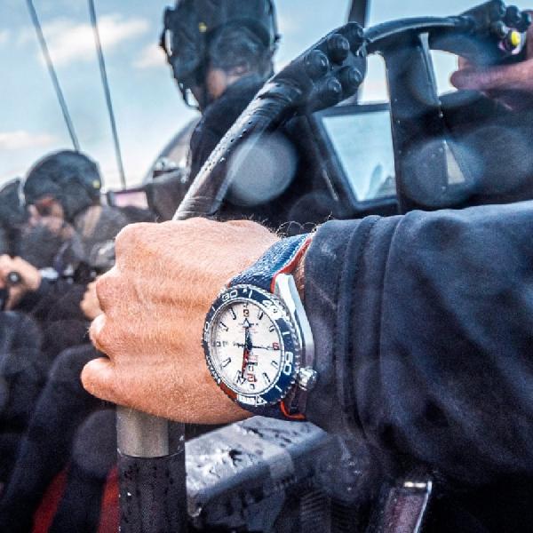 Omega Seamaster Edisi America's Cup, Tampilan Classy Kental Sejarah
