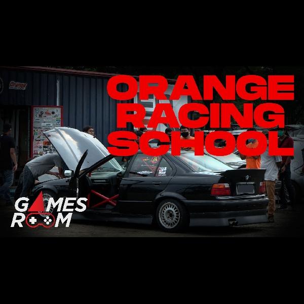 Belajar Drift Resmi di Markas Orange Racing School