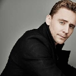 Tom Hiddleston Membahas Rumor James Bond yang Beredar