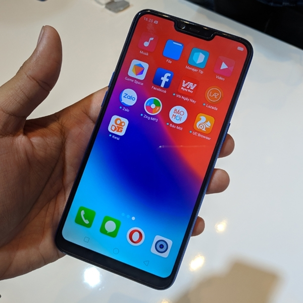 "Realme C1 Diresmikan, ""Raja Baru"" Smartphone Entry Level"