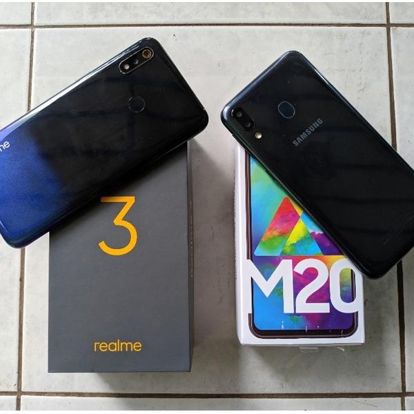 Realme 3 vs Samsung Galaxy M20, Siapa yang Lebih Perkasa?