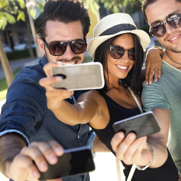 Deretan Smartphone Ini Ideal untuk Selfie di Hari Raya