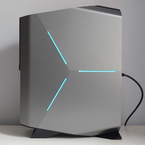 Alienware Aurora R8. Estetika Berpadu Tenaga