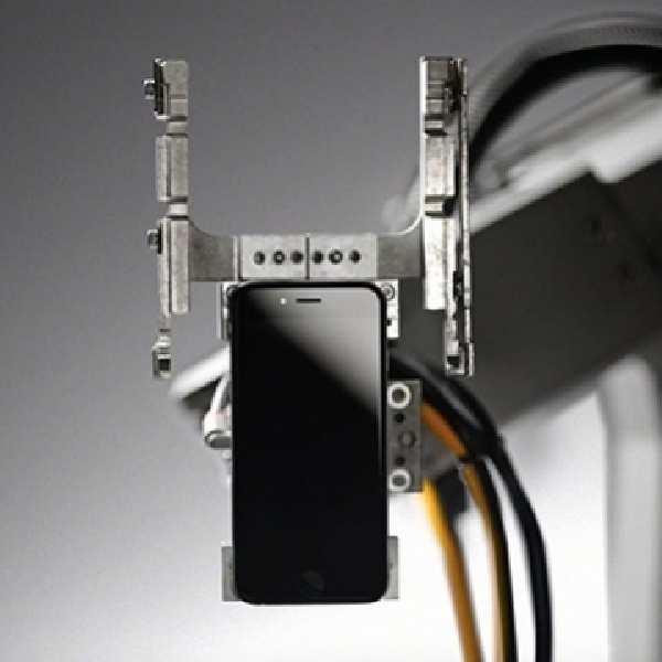 Gokil, Dalam Sejam Liam Sanggup Preteli 350 Unit iPhone