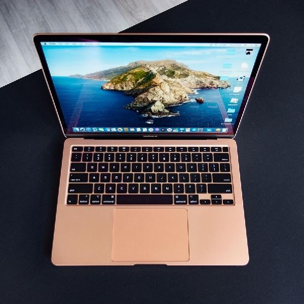 Ingin Beli MacBook Sekarang? Tahan Dulu BlackPals