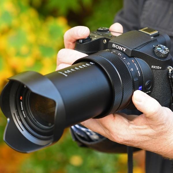 Compact Camera Terbaik untuk Penggila Travel