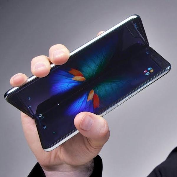 Menguji Ketangguhan Layar Samsung Galaxy Fold, 1.000 Lipatan dalam 20 Menit!