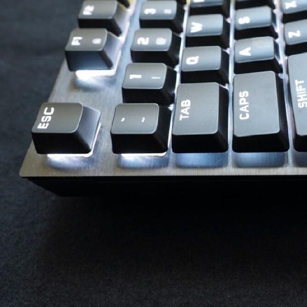 Keyboard Khusus Game: Corsairs K60 RGB Pro Low Profile