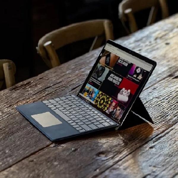 Fitur 'Eye Contact' Microsoft Segera Meluncur ke Surface Pro X
