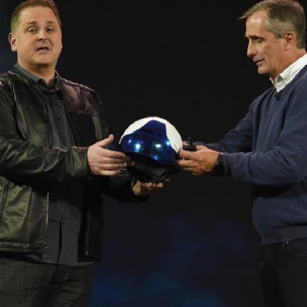 Saingi Google Glass Dan Microsoft HoloLens, Intel Ciptakan Perangkat VR
