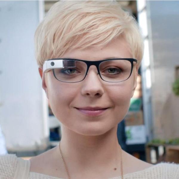 Google Glass Versi Baru DiBekali Touchpad Dan Baterai AA