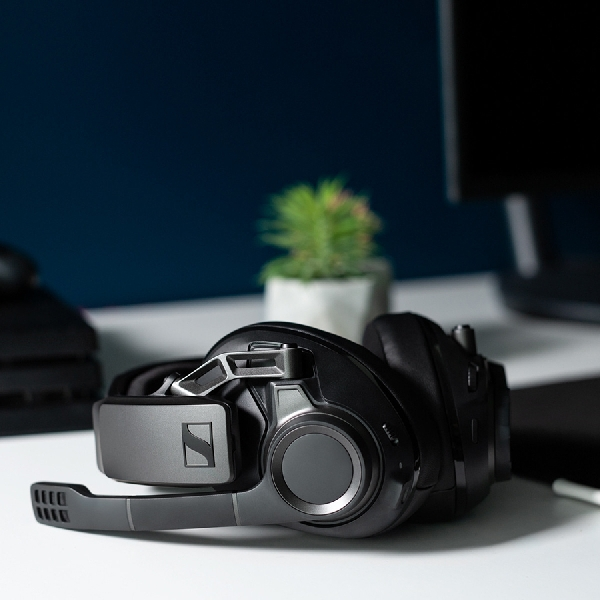 Sennheiser GSP 670, Headset Gaming Nirkabel Dengan Suara Surround nan Dashyat