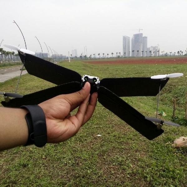 Kesan Pertama Menerbangkan Drone Parrot Swing