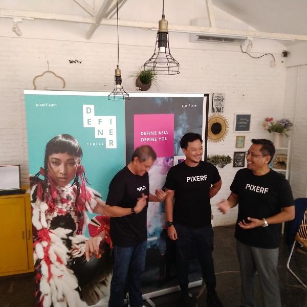 Pixerf Kolaborasi Dengan Gojek Hadirkan Kontes Foto Bertema Cerdikiawan
